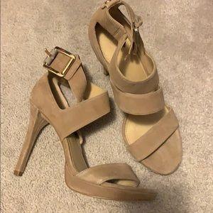 Michael Kors size 7.5 platform sandal